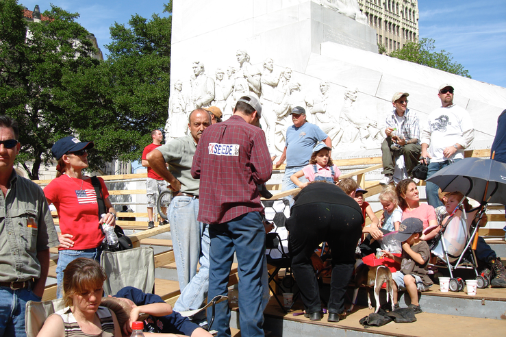 Secessionists Scattered at Tea Party Rally